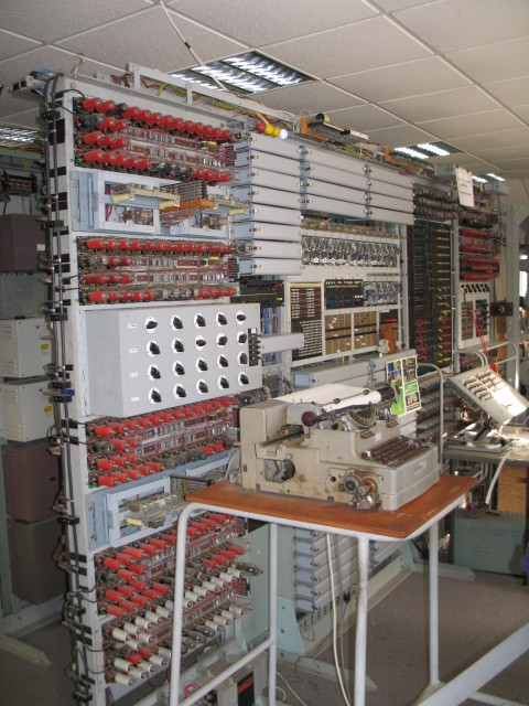 Colossus_Computer,_Bletchley_Park__A._Pettigrew_© _CC_by_SA_geograph.org.uk_-_1590874